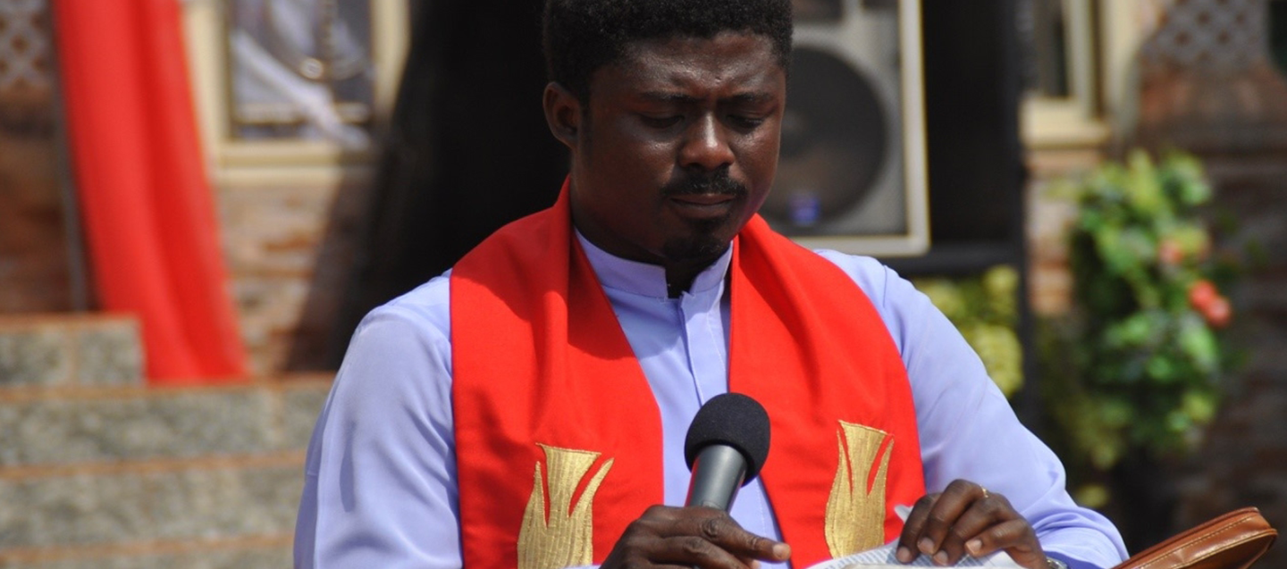 REV-FR-EBUBE-MUONSO-OFFICIAL-IMAGE